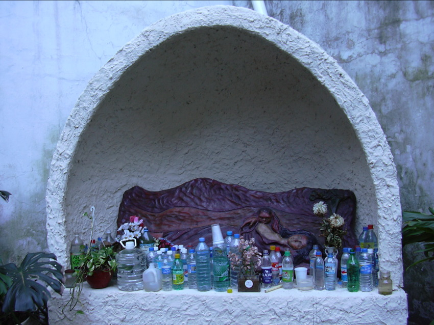 Bottles_of_water_are_offered_to_the_folk_saint_Difunta_Correa_in_commemoration_of_her_death_by_thirst
